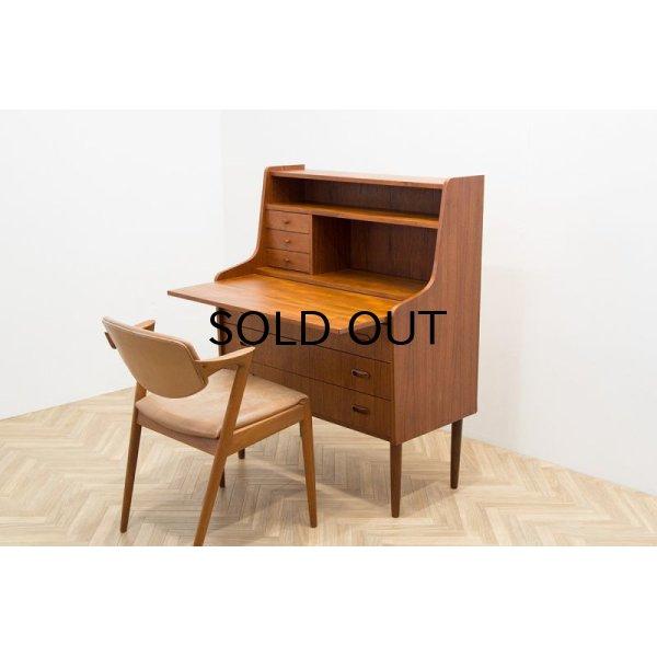 椅子は別売りで御座います